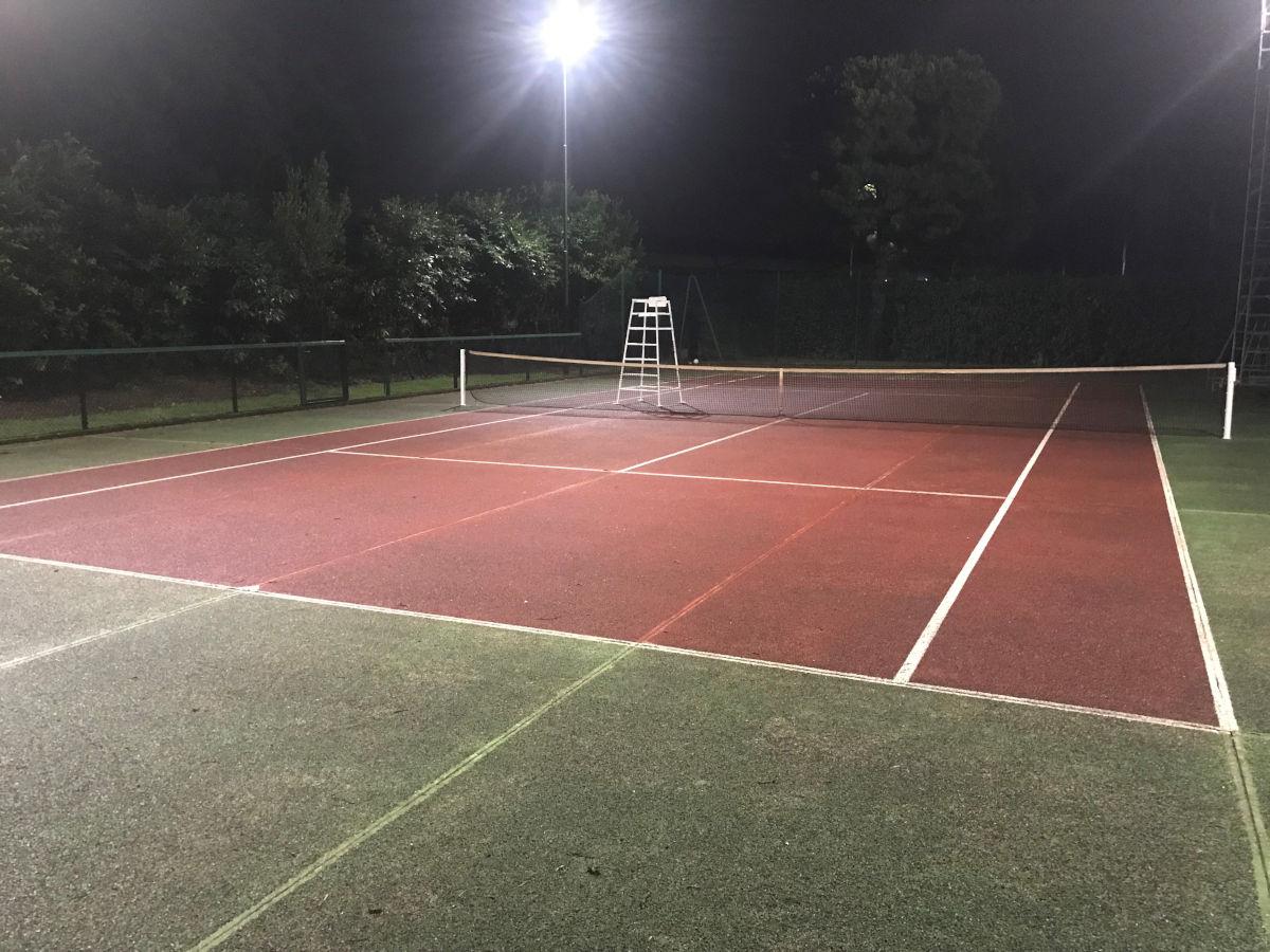 Impianto Illuminazione Campo da Tennis