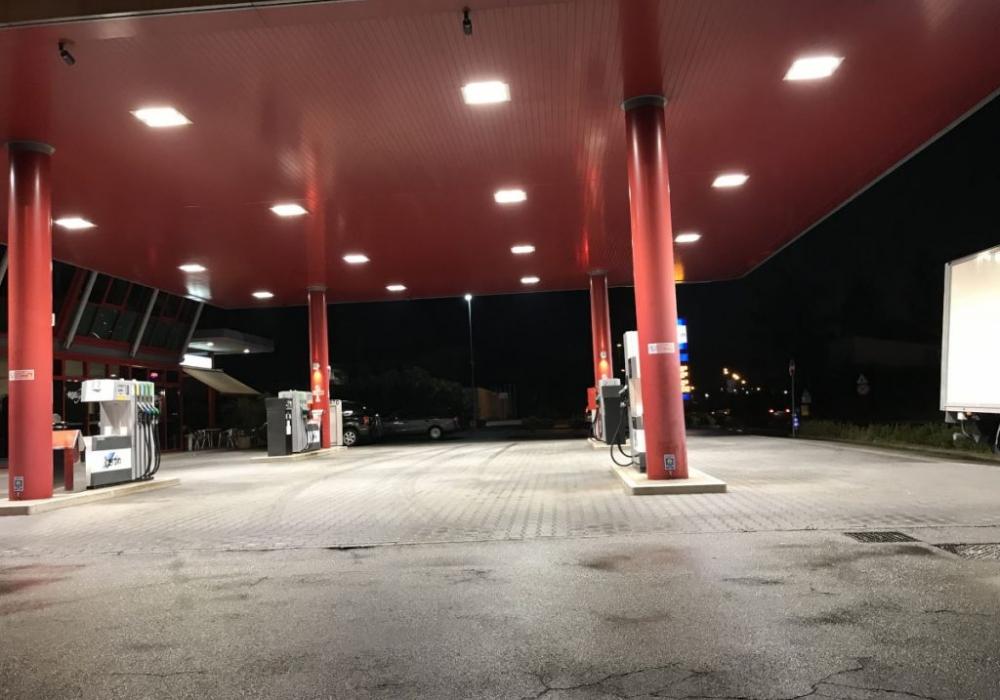 Impianto Illuminazione Distributore Benzina
